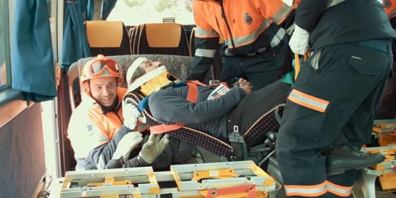 E-RESCUE entrena a los bomberos de Guadalajara en las tareas de rescate en autobuses, mediante los asientos salvavidas
