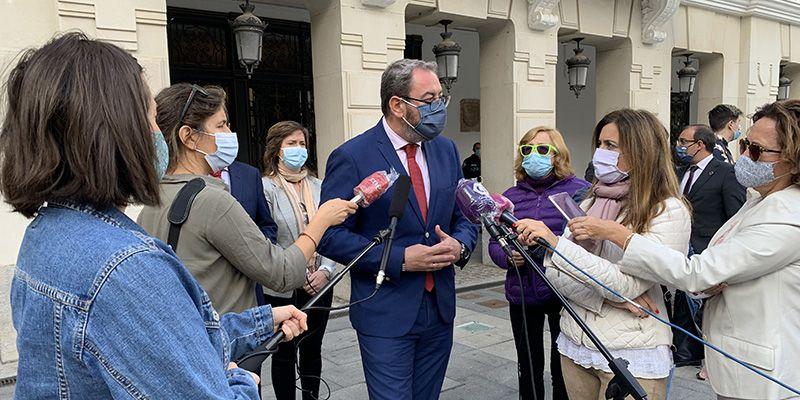 Eusebio Robles asegura que en los próximos meses estará finalizado el edificio del centro de salud de Azuqueca
