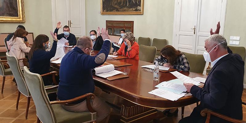 La Diputación de Guadalajara concede 83.640 euros en subvenciones a clubes deportivos, fiestas de interés turístico y apicultura