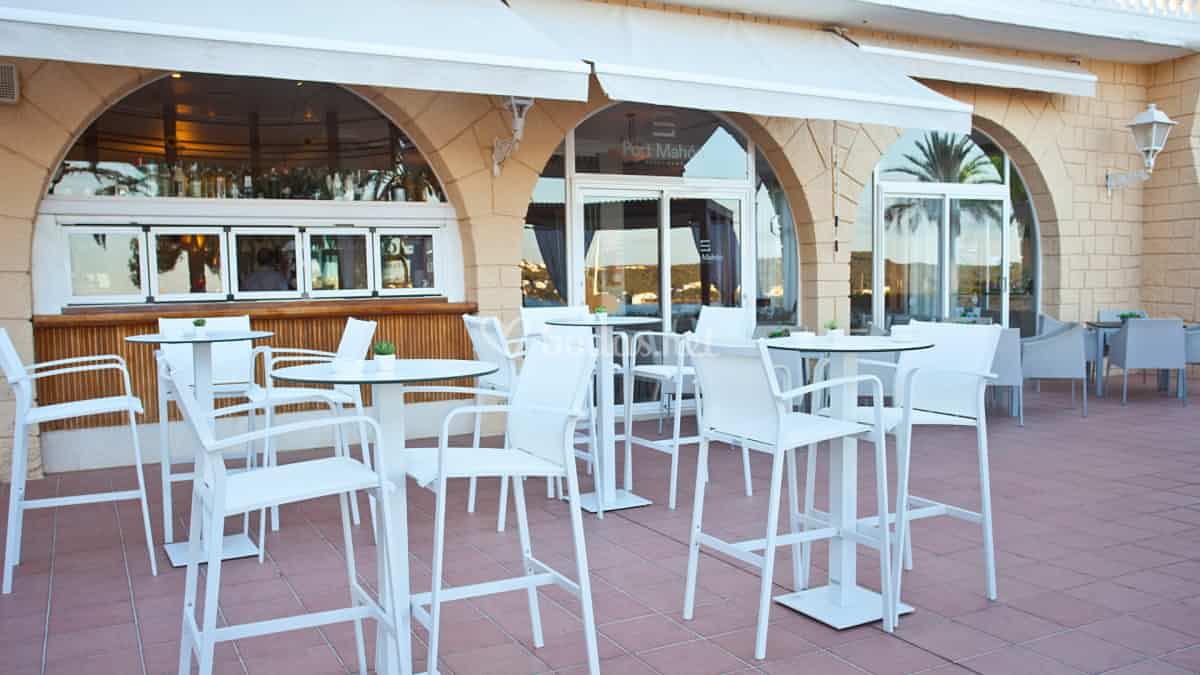 Los establecimientos hosteleros de Guadalajara podrán seguir ocupando plazas de aparcamiento para sus terrazas hasta el 31 de octubre de 2021