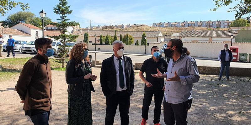 Vega ofrece colaboración a Sonsoles Rico para sacar adelante proyectos en Villanueva de la Torre