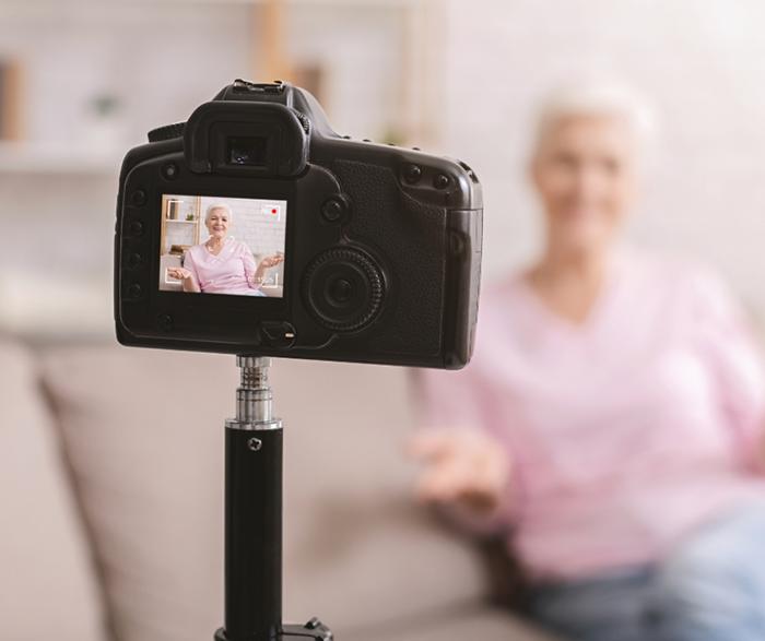 Castilla-La Mancha potencia el envejecimiento activo con el concurso virtual '+Talento' para las personas usuarias de Centros de Mayores