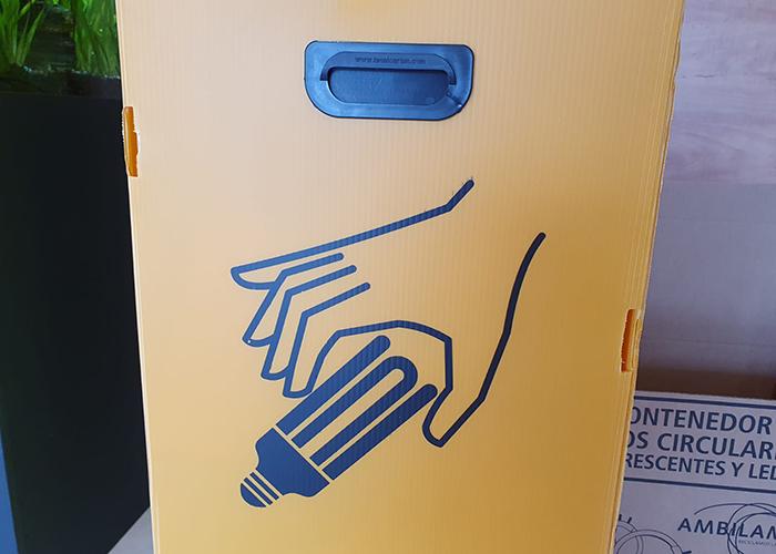 Contenedor para el reciclaje de bombillas
