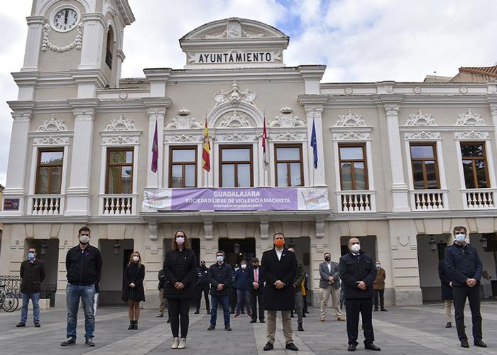 """El Ayuntamiento  de Guadalajara condena cualquier tipo de violencia hacia las mujeres y se suma """"a la lucha por conseguir una sociedad más justa e igualitaria"""""""