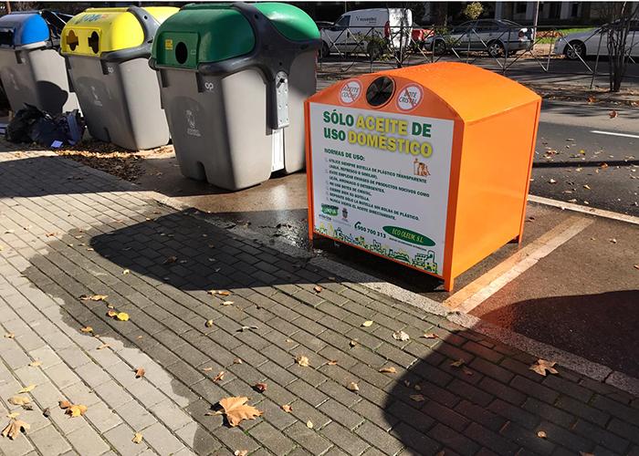 El Ayuntamiento de Guadalajara renueva  los siete contenedores de reciclado de aceite de uso doméstico distribuidos por la ciudad