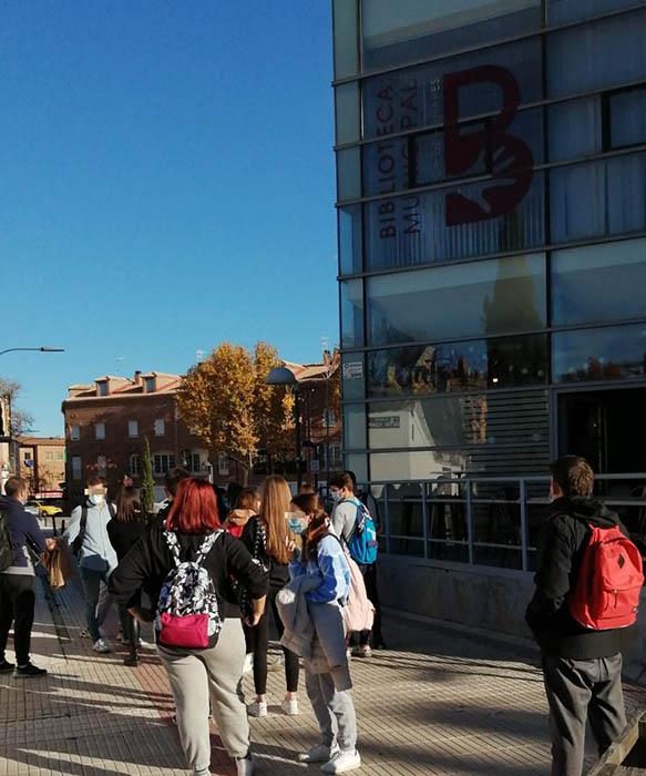 El PP pide al Ayuntamiento de Azuqueca que dé respuesta a las necesidades de los estudiantes habilitando más plazas de estudio en espacios públicos
