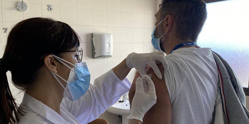 Más de 384.000 personas ya han recibido la vacuna de la gripe en Castilla-La Mancha