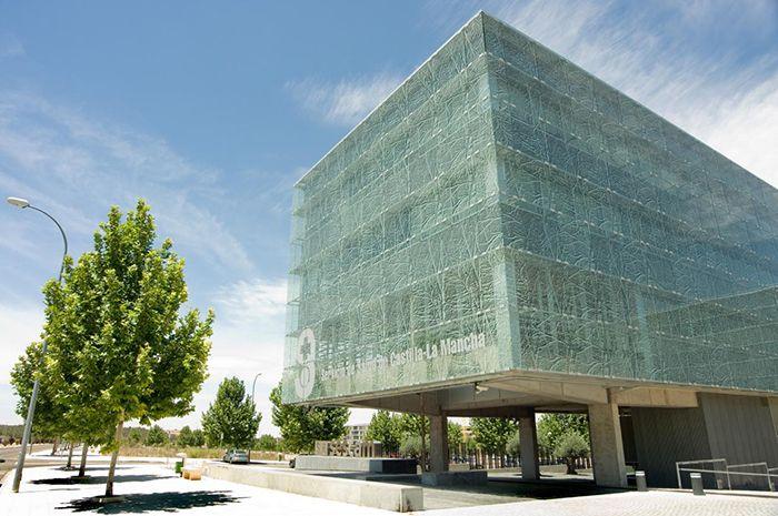 Publicados los temarios correspondientes a las oposiciones de cinco categorías estatutarias del Servicio de Salud de Castilla-La Mancha
