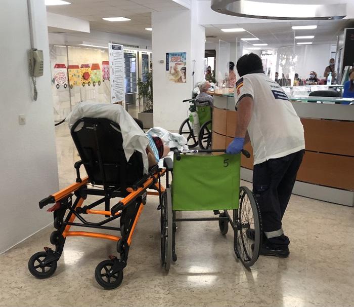 UGT pide habilitar una zona de transferencia de pacientes en el Hospital de Guadalajara
