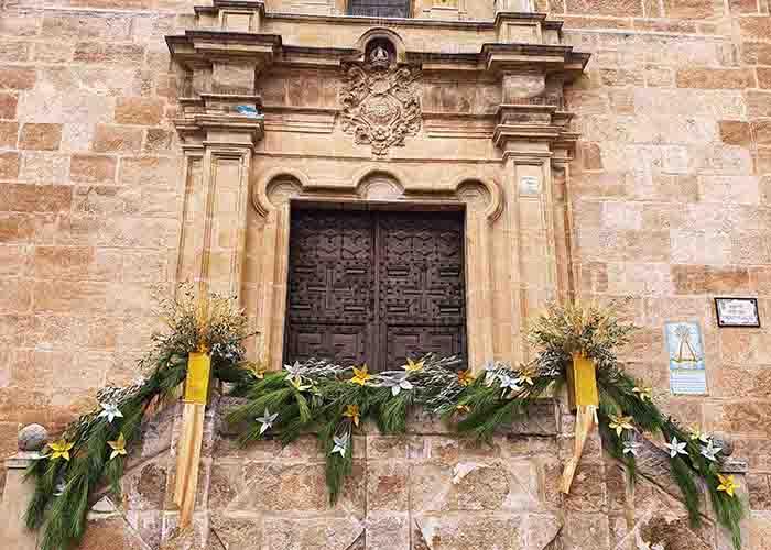 Almonacid convoca el XVII Concurso de Postales y el I de decoración de fachadas y balcones en Navidad