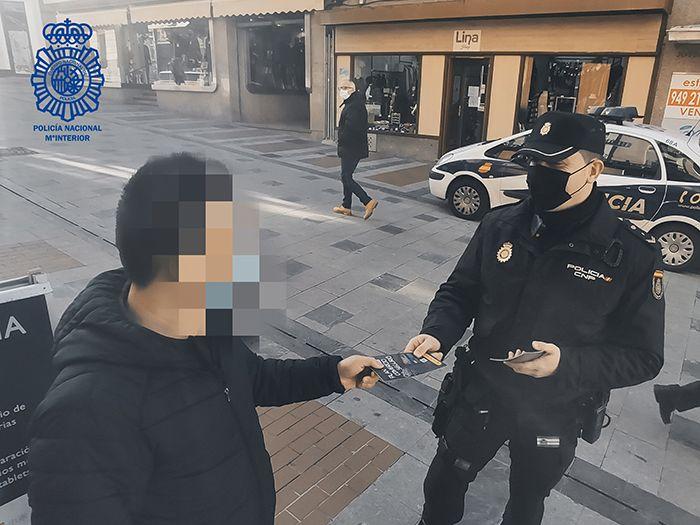 La Policía Nacional difunde consejos de seguridad para disfrutar de una Navidad segura