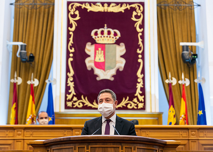 Page ve en la Constitución española una invitación a seguir acordando contra extremismos y frentismos