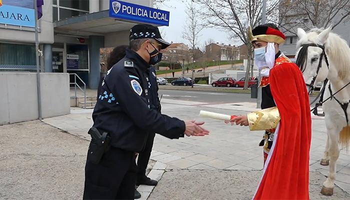 Rojo autoriza a sus Majestades los Reyes Magos de Oriente  su llegada a Guadalajara  para repartir ilusión a las niñas y niños