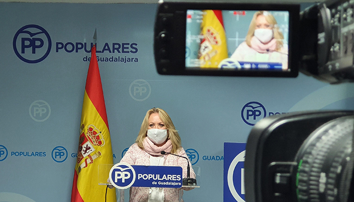 Aure Hormaechea, presidenta del PP de Azuqueca y portavoz en el Ayuntamiento
