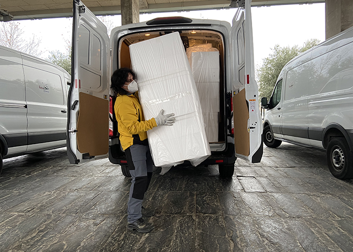 La Junta ha distribuido en las dos últimas semanas cerca de un millón de artículos de protección para profesionales sanitarios