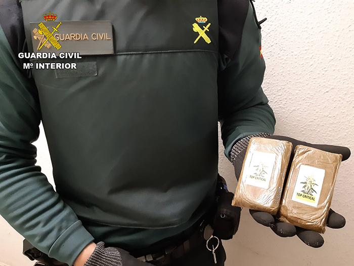 La Guardia Civil detiene en Maranchón a una persona con dos tabletas de hachís de 192 gramos