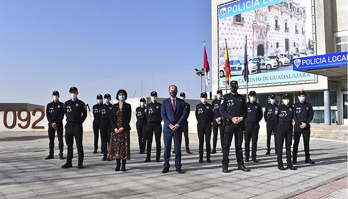 La Policía Local de Guadalajara estrena una nueva unidad de mayores y el servicio 'S.O.S. Rescate'