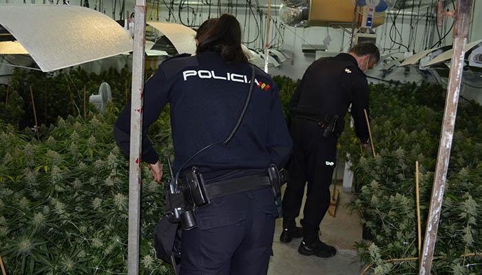 La Policía Nacional detiene in fraganti a los miembros de dos organizaciones criminales tras un violento vuelco de droga en Cabanillas