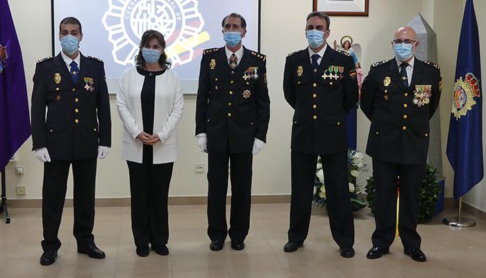 La subdelegada del Gobierno preside la entrega de títulos de inspector a tres policías que han hecho las prácticas en la Comisaría de Guadalajara