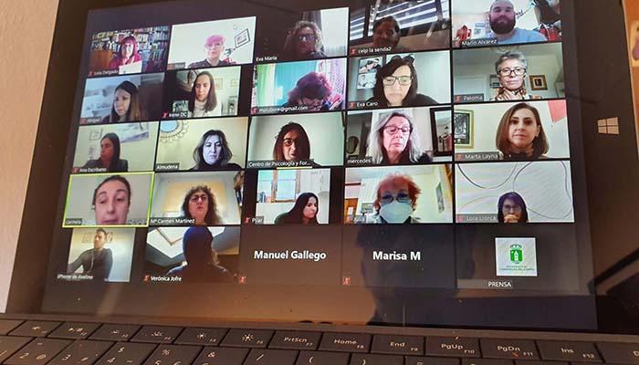 Representantes de asociaciones, personal municipal y vocales del Consejo de las Mujeres de Cabanillas inician una formación en Igualdad