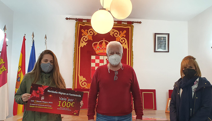 rosario montes gana el premio de 300 euros de los 5 reyes magos de fuentenovilla