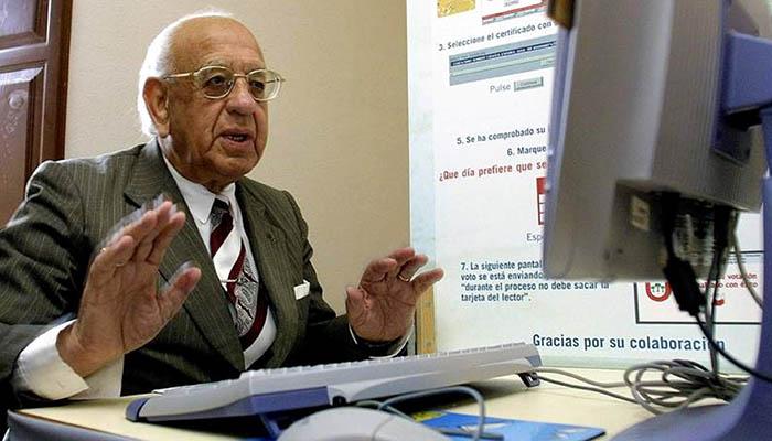 Telefónica ha atenido casi cien mil llamadas en la región con su servicio de atención a personas mayores