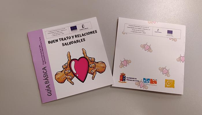 Villanueva de la Torre reparte entre sus jóvenes una guía educativa sobre Buen Trato y Relaciones Saludables para prevenir la violencia de género
