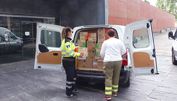 El Gobierno de Castilla-La Mancha ha distribuido más de 45,2 millones de artículos de protección para profesionales sanitarios desde el inicio de la pandemia