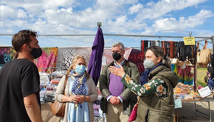 El PP apoya a los vendedores del mercadillo, que reclaman al Ayuntamiento de Azuqueca medidas para garantizar su derecho al trabajo