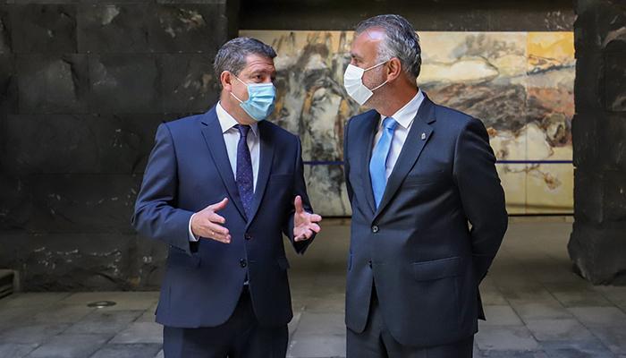 """Page defiende un reparto ordenado de las vacunas y que exista """"unidad de mensaje y de criterio en todos los rincones de España"""""""