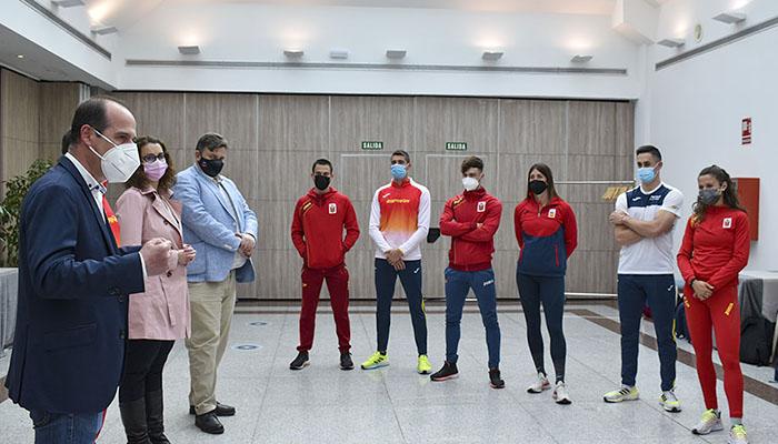 Rojo desea suerte al equipo nacional de 4x100 relevos que busca clasificarse para Tokio este fin de semana