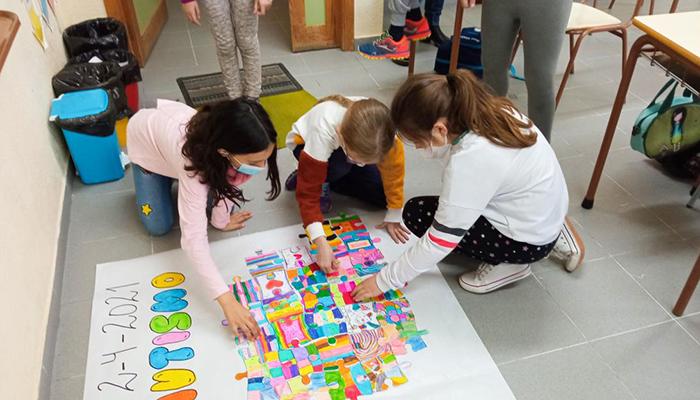 Un total de 47 centros educativos han participado en la iniciativa 'Piezas por el autismo'