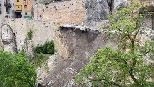 Derrumbado el acceso principal a las Casas Colgadas