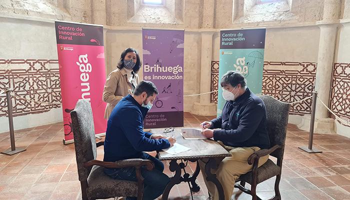 El Ayuntamiento de Brihuega recibirá 40.000 euros para la rehabilitación de la antigua iglesia de San Simón gracias a la firma del convenio con Enagás
