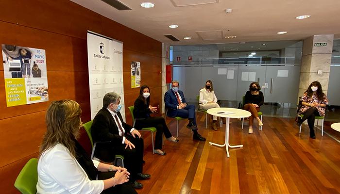 La Junta celebra el Día Internacional de las Familias con un encuentro con entidades de Infancia y Familia en Guadalajara
