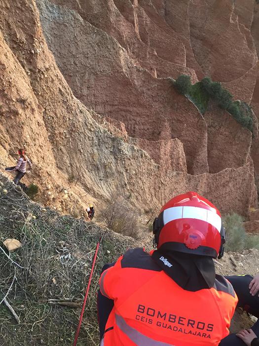 Los bomberos de la Diputación de Guadalajara ofrecen pautas para practicar senderismo seguro y responsable