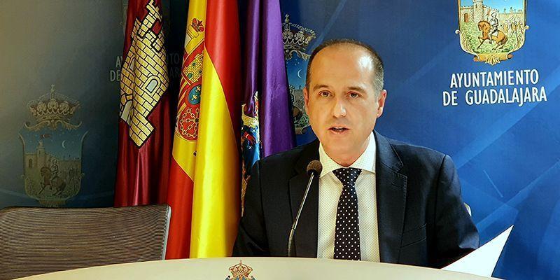 """Alberto Rojo, alcalde de Guadalajara, celebra el """"Dia de los abuelos"""""""