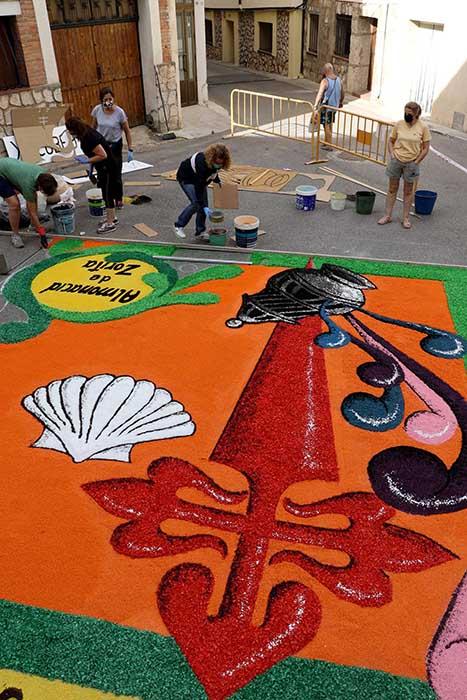 Almonacid de Zorita ha formado parte de la iniciativa de alfombra mundial jacobea en el día de Santiago