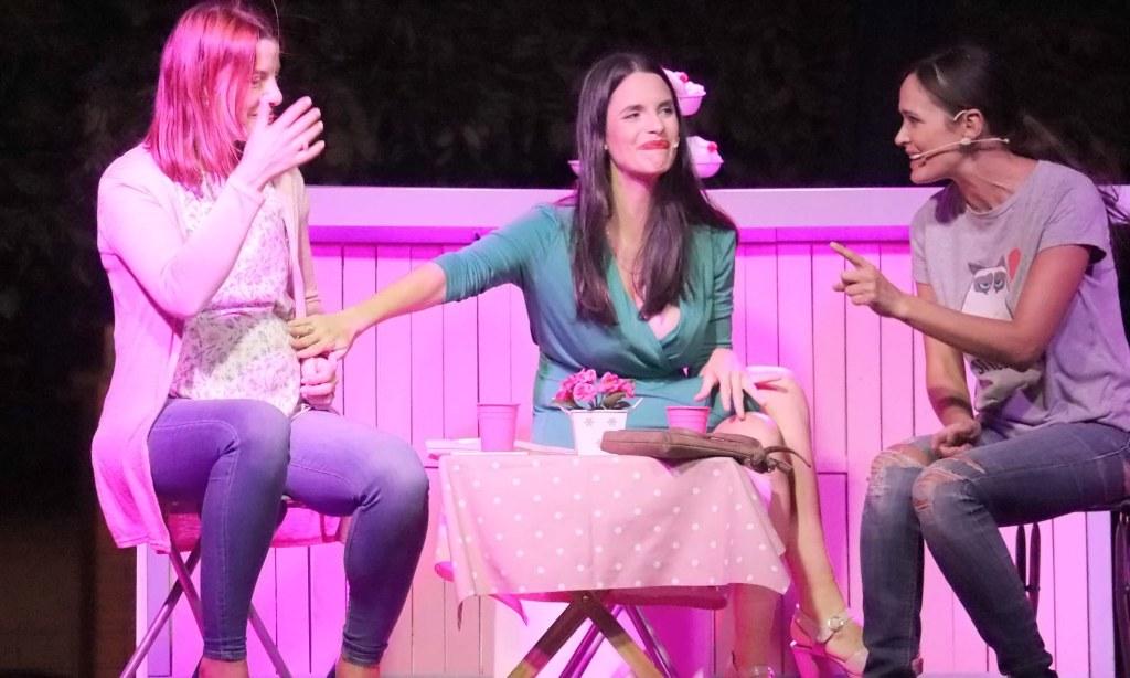 Noche de carcajadas en Cabanillas con el teatro de «Estrógenos»