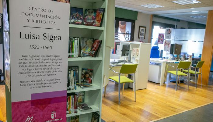 El Gobierno regional anima a disfrutar de los más de 12.000 documentos del fondo documental 'Luisa Sigea'