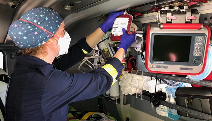 El helicóptero sanitario de Ciudad Real ha realizado más de medio centenar de transfusiones extrahopitalarias a pacientes afectados por traumatismos graves