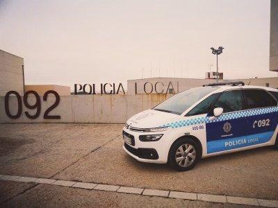 La Policía Local de Guadalajara detiene a un individuo por el intento de robo de diversos objetos de un vehículo estacionado en una vía de la capital