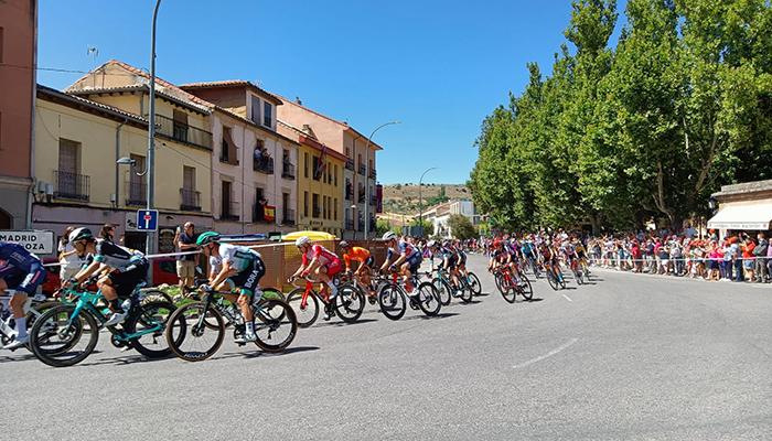 La Vuelta vuelve a pasar por Sigüenza subrayando sus atractivos patrimoniales