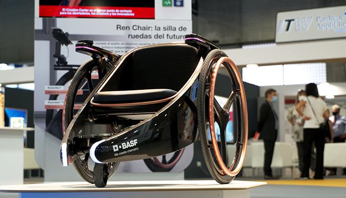 BASF expone la silla de ruedas del futuro, Ren Chair, en Expoquimia 2021