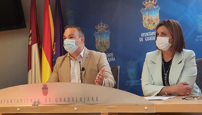 """Carnicero denuncia que Rojo presenta un proyecto europeo para restringir el tráfico en el casco histórico """"que ni siquiera se ha leído"""""""