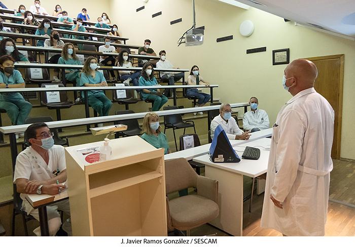 El Área Integrada de Guadalajara recibe a 26 alumnos de sexto de Medicina que se incorporan para la formación práctica del final de sus estudios universitarios