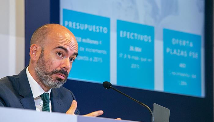La Junta saca pecho Castilla-La Mancha ha pasado de liderar los recortes a ser referencia en condiciones laborales en materia sanitaria