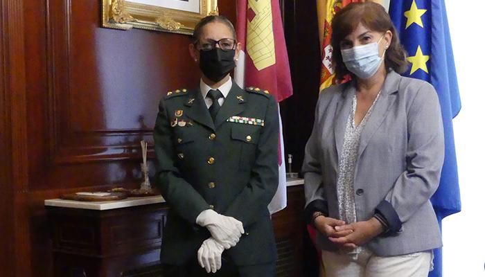 La subdelegada de Guadalajara recibe a la nueva jefa de la Comandancia de la Guardia Civil