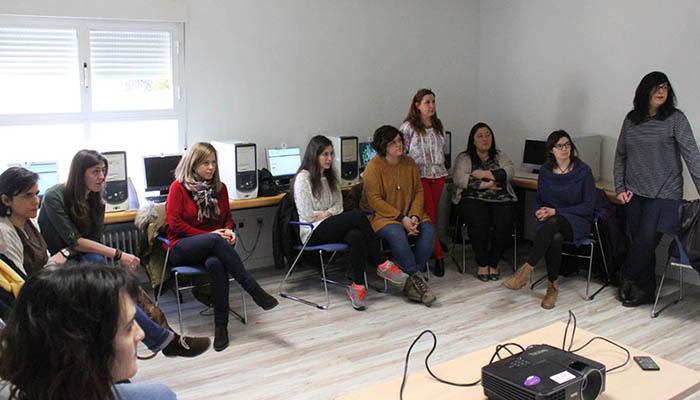 El Centro de la Mujer de Cabanillas y la Asociación La Campiña lanzan un curso de «nuevas tecnologías con perspectiva de género»