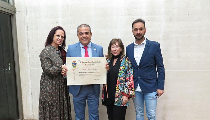 El Colegio Oficial de Enfermería de Guadalajara recibe la Medalla de Oro de la Ciudad por su labor en la lucha contra el coronavirus
